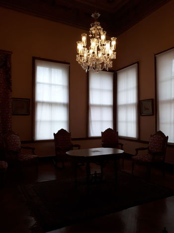 Living Room Luxury King - Royal Person Window Home Interior House Architecture