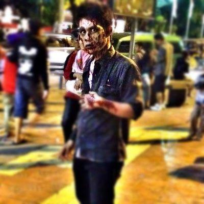 Zombie didepan Monumen Super Semar Iphonesia Iphonegraphy Ikaskus Instadonesia instanusantara gang_kaskus instago