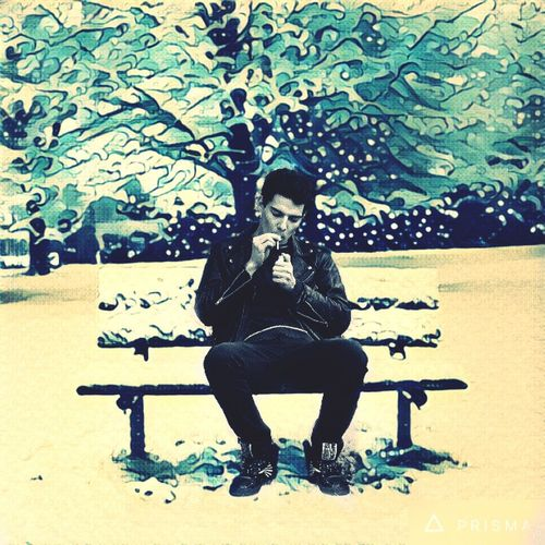 Узбекистан Ташкент ц1 зима сказка я на скамейке съемка Кино Курю на камеру