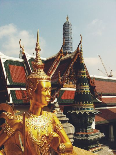 Ancient Architecture Bangkok Bangkok Thailand Buddha Buddhism Buddhist Temple Built Structure Culture Cultures Emerald Buddha Temple Famous Place History Ornate Place Of Worship Religion Sculpture Spirituality Statue Temple Temple - Building Travel Destinations
