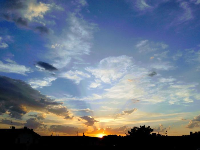 Different sky Italy Huaweiphotography SantarcangeloDiRomagna Tree Sunset Silhouette Multi Colored Dramatic Sky Sky Cloud - Sky Sky Only Atmospheric Mood Romantic Sky Cloudscape EyeEmNewHere