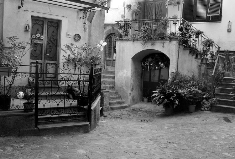 Architecture Tuscany Italy Ghivizzano Travel Blackandwhite Photography The Traveler - 2015 EyeEm Awards