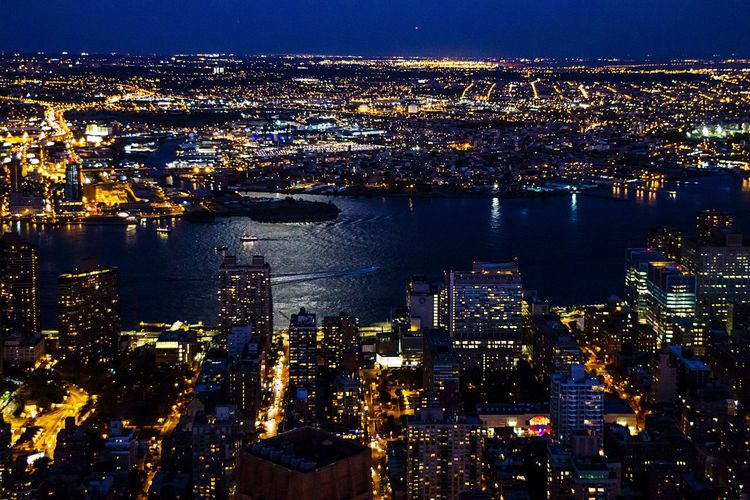 Found On The Roll The Great Outdoors With Adobe The Great Outdoors - 2016 EyeEm Awards The Architect - 2016 EyeEm Awards Cities At Night Hello World East River, NYC View From Empire State Building New York City New York At Night New York Skyline  Urban Moonlight Moon Light Neighborhood Map