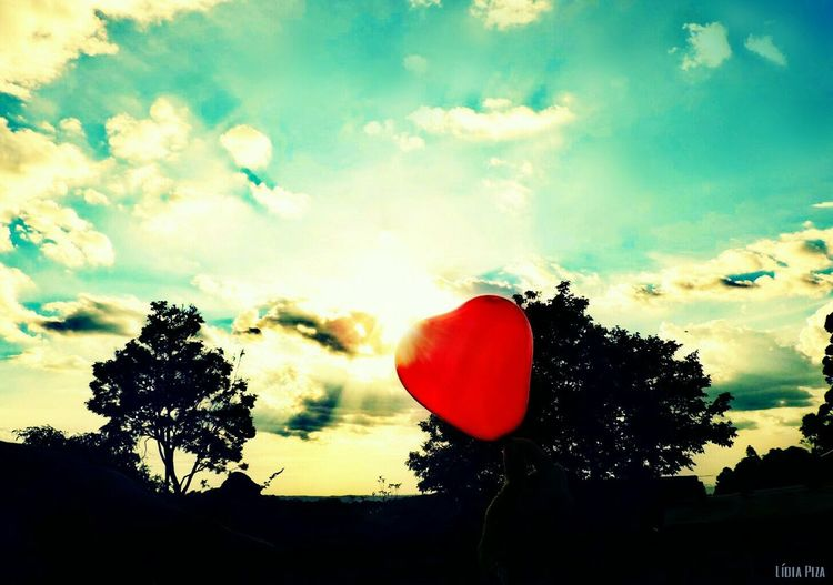 To all my friends!❤ Nature Nature_collection Balloon Love Heart Sky And Clouds Sky Lovers Trees Tree And Sky Taking Photos Scenics Skyscrapers Friendsforever Photooftheday Taking Pictures View