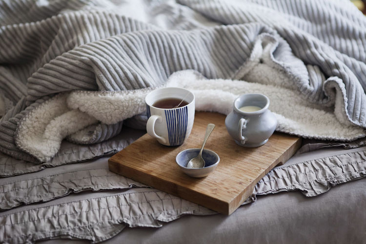 Bed Bedroom Breakfast Close-up Cuddles Cup Drink Duvet Grey Home Indoors  Lazy Lazy Day Milk Refreshment Relax Sunday Morning Tea - Hot Drink Tea In Bed Texture Warm Warmth Winter