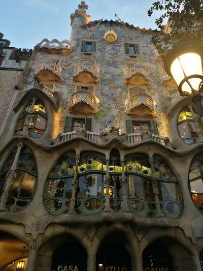 Casa Batllo. Gaudi Gaudì Architecture Work Barcelona, Spain Fachada Mordenimo Modern Art Humanity Meets Technology City History Ornate Architecture Built Structure Sky Close-up