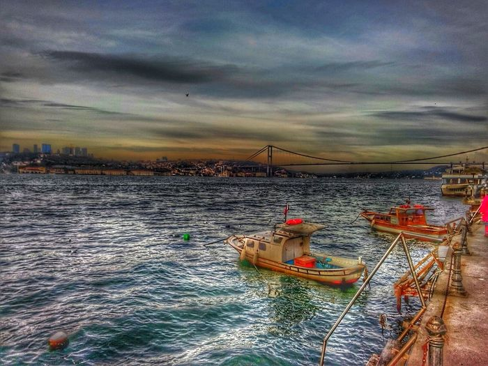 HDR Hdrcollection Objektifimden Kadrajturkiye Likeforlike #likemyphoto #qlikemyphotos #like4like #likemypic #likeback #ilikeback #10likes #50likes #100likes #20likes #likere Hello World Colour Of Life Odakgroup Rbsphotography Istanbul Turkey Istanbuldayasam Marmaradenizi 15temmuzşehitlerköprüsü