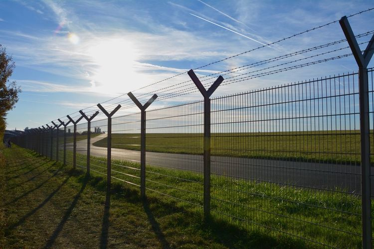 Düsseldorf Airport Planespotting Sky Security Protection Safety Fence Nature Barrier Boundary Day Cloud - Sky No People Grass Sunlight Barbed Wire Chainlink Fence Field Metal Land Outdoors Plant