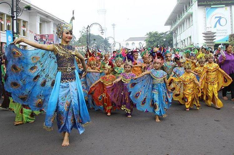 Festivaltarimerak Seribugerakmerak Tarimerak Bandung Asiaafrika Sarewumeraktandang