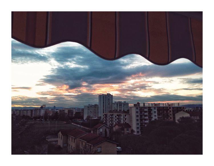 Fin du jour Building Exterior Architecture City Built Structure Sky Cloud - Sky Building Cityscape No People
