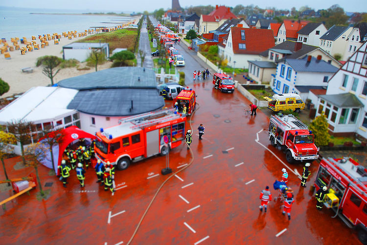 I stood in a basket of an aerial ladder of the fire the picture I created a tilt shift picture Laboe Turm Laboe Schleswig-Holstein GERMANY🇩🇪DEUTSCHERLAND@ Feuerwehrauto Feuerwehrfahrzeug Feuerwehr Fireworker Kreis Plön Schleswigholstein Schleswig Holstein Schleswig-Holstein Transportation Mode Of Transportation City Architecture Building Exterior Car High Angle View