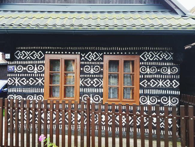 WoodLand Wood WoodLand Woodhouse Woodhouses Woodhouse Design Slovakia Slovakia🇸🇰 čičmany City Window Architecture Building Exterior Close-up Built Structure EyeEmNewHere