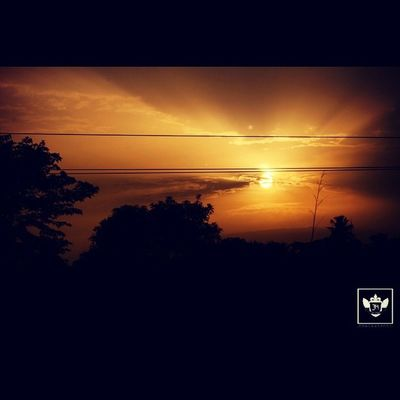 So I actually pulled my car to take a picture of Sunset with my Canon lol. Somewhere in Abeokuta . Jiniuskonxeptsphotography photography