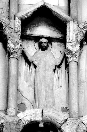 Facade details, Church Santa Maria Della Piazza, Ancona, Italy Ancona Architecture Art Byzantine Church Facedepet Faith Italy Le Marché Marbre Medieval Medieval Art Middle Age Romanesque Romanesque Sculpture Sculpture Virgin Praying