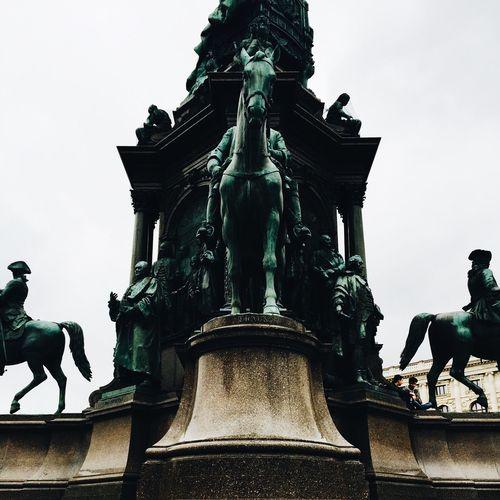 Statues Statue
