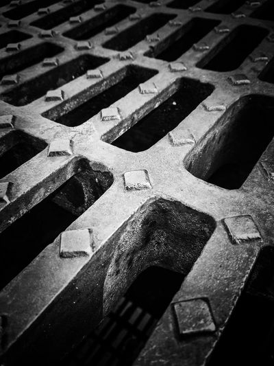 Heavy metal drain cap Manhole  Manhole Cover Drain Metal Iron Iron - Metal Heavy Metal Blackandwhite EyeEm Best Shots Eyem Eyemphotography Full Frame High Angle View Close-up Zigzag Empty Road Road Marking Hopscotch vanishing point Country Road The Way Forward Diminishing Perspective Disabled Sign Asphalt Zebra Crossing Dividing Line Bicycle Lane
