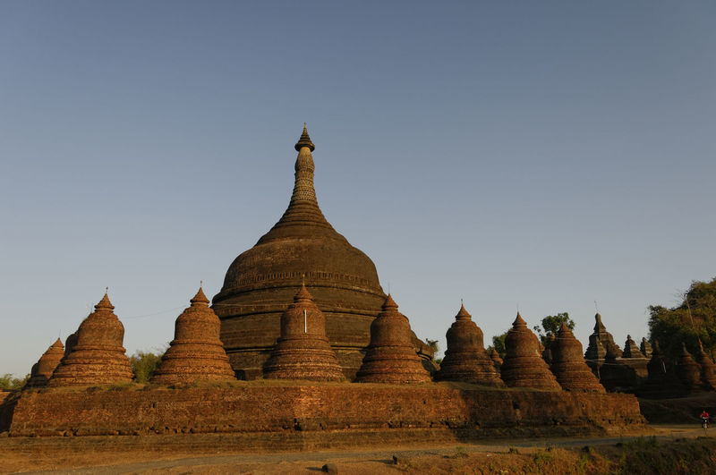 Ancient treasures to be discovered by explorers. Nikon Rakhine State Budhist Temple Burma Clear Sky Day Myanmar Nature No People Outdoors Religion Spirituality