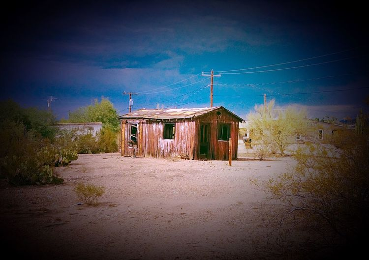 Burned Cabin In The Desert Arizona Desert Sunshine Summer Exploring Small Town Way Out West