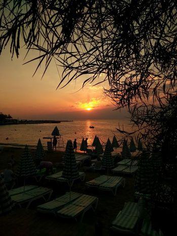 Taking Photos Relaxing Sunshine Alanya Beach Alanya/Turkey Sea Sunset Sky Reflection Holidays Beauty In Nature Nature Alanya Lonicera