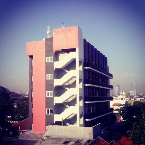 Building near grand city hotel jakarta 21 maret 2013
