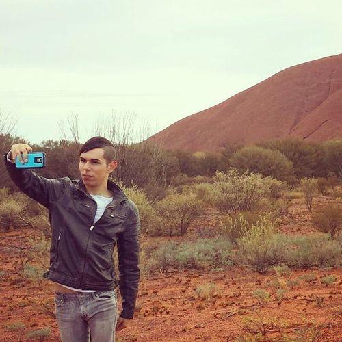 Moments like these you need selfies!:) 📷 Exploreuluru Uluru Northernterritory Ayersrock Outback RedCentre Australia Desert Gayguy Instagay Gayboy Gay Selfie Gayselfie