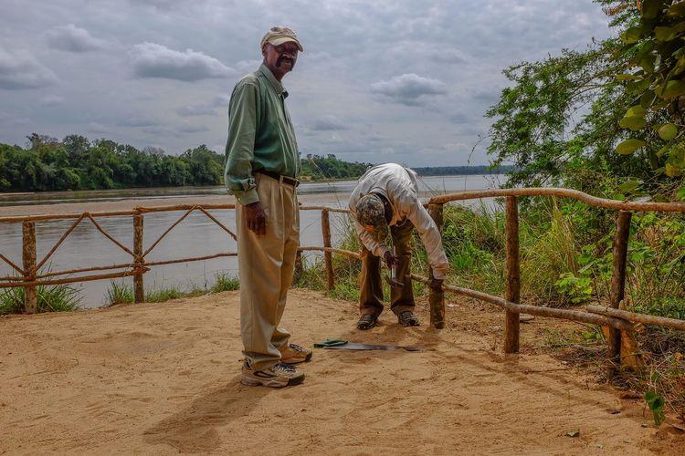 Anti hippo fence Africa, Tanzania, Bush Camp Ruaha River