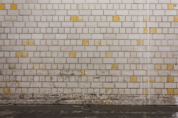 Architecture Backgrounds Brick Brick Wall Built Structure City Day Domestic Room Flooring Full Frame Indoors  Nature No People Pattern Repetition Tile Tiled Floor Wall Wall - Building Feature White Brick White Brick Wall White Bricks White Wall