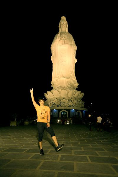 베트남 다낭 '영응사'의 상징 67m 약사 여래불상