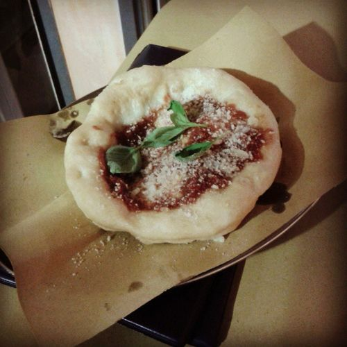 Pizzetta fritta napoletana