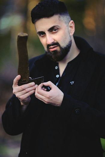 Let an Roskolnikov appear in your news! He is preparing for the meeting. The manicure do with an AX - it is in Russian! Taking Photos That's Me Serge Diploidrec Beardedmen Beardedman Raskolnikov Dostoevsky Actor Hello World Maleportrait Enjoying Life Ax Glance