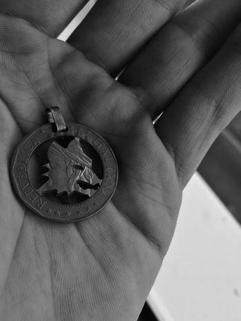 A.S. Roma 1000£ Coin Hand Huawei p9 Monochrome Photography