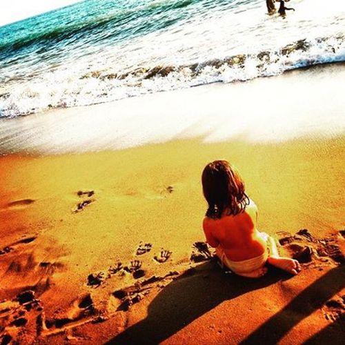 Εγώ θέλω να τη φάω πάντως. Beach Ikaria Ikariagram Myisland Evelina Nofilterneeded Mylittlelove Cousin Cousinlove  Playinginthesand Footandhandprints Allyouneedispurelove Tobefree Happy And Toshareyourlove ☺