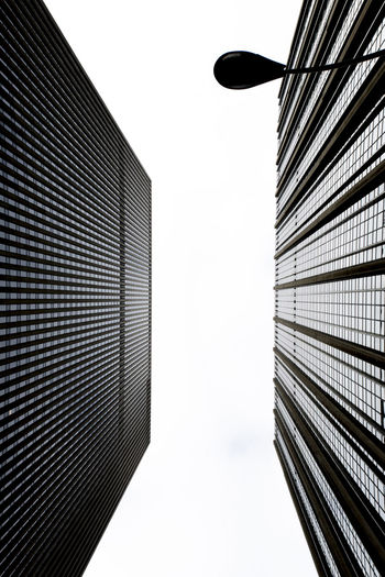 Architecture Building Built Structure City City Life Cloudy Day Day Diminishing Perspective Directly Below Downtown Low Angle View Modern New York New York City New York ❤ Outdoors Sky Skycraper Urban