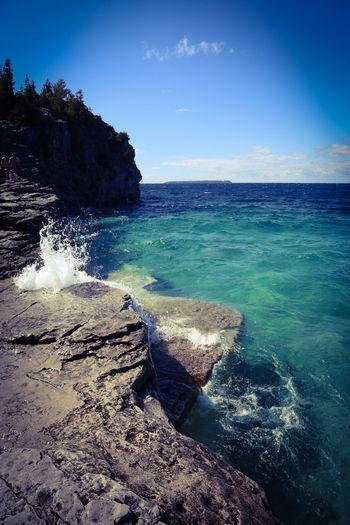 The Grotto Taking Photos Canada Cyprus Lake Bruce Peninsula Blue Sky Blue Water Waves Georgian Bay Summer ☀ Rocks