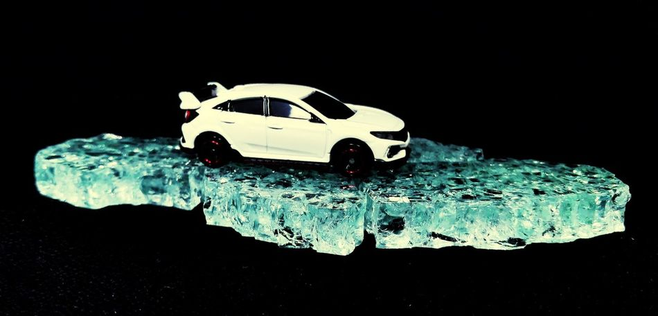 on ice Ice Iceberg P4lsoe Diecastcars Diecastphotography Diecast Tomica Takaratomy Cıvıc Honda Civic Civic Type R Type R Black Background Planet Earth Destruction Social Issues Close-up