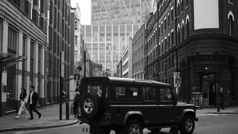 Urban off Roading Landrover Defender London Adapted To The City