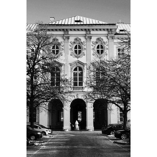 Beautiful Architecture and Design . At SchlossMirabell schloss mirabell. Taken by MY SonyAlpha Dslr A57 . Salzburg austria österreich. تصميم معمار قصر مدخل سالزبرغ النمسا