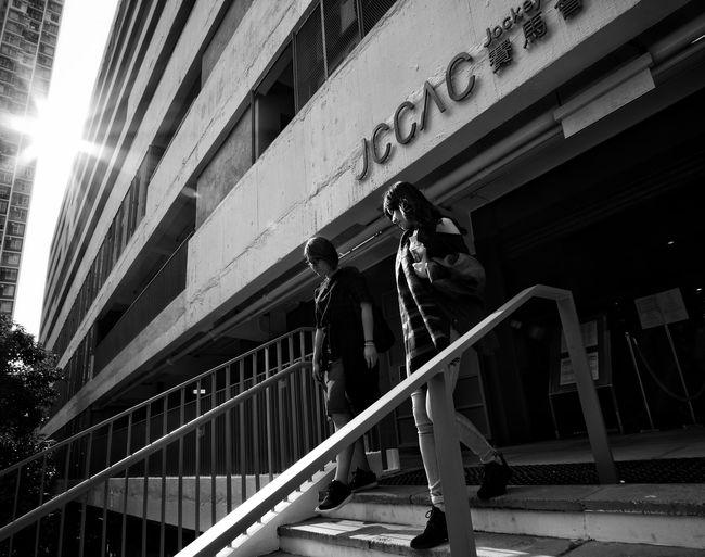 Sunshine Lensculture Streetphotography Street Life Urban Exploration Urbanphotography Fujifilm_xseries X-PRO2 Snapshots Of Life Street Photography Citylife Black And White Photography Black And White Bnw_collection Black&white Black & White Bnw_captures Bw_collection Black & White Photography Monochrome Noir Et Blanc The City Light Lensculturestreets Dailylife Dailyphoto
