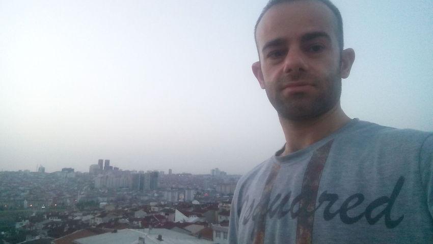 istanbul yuksek tepesinden sabahın ilk ışıkları herkese günaydın 😃 Sabah Sabah ;)  Sabah Güneşi