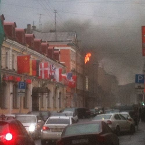 Кошмар!!! Хорошо, что не погиб никто!!!Пожар в Апраксином дворе. новости чп яочевидец