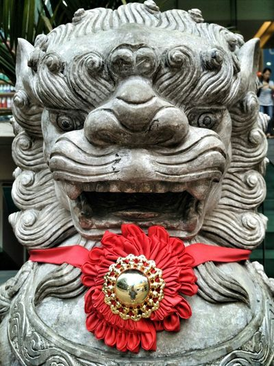 Spirituality Religion Statue Place Of Worship Close-up Outdoors Sculpture Cultures Day Lion Lions Chinese Lion Chinese Lion Statue Chinese Guardian Lions Foo Dog Chinese Guardian Sculpture At A Temple