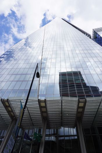 2017 Architecture Building Exterior Built Structure City Day Low Angle View Mirror Modern Office Outdoors Sky Skyscraper Tall The Shard イギリス ザシャード ロンドン 超高層ビル
