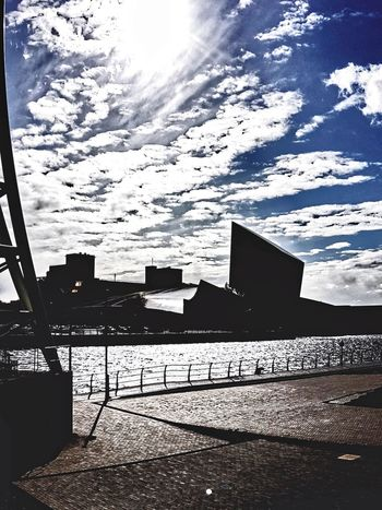 Sky And Clouds Cloud - Sky Skyline Modern Architecture Inperial War Museum North Imperial War Museum North Built Structure Building Exterior No People City Architecture Outdoors Low Angle View Cityscape Full Frame Urban Skyline Backgrounds Imperial War Museum Manchester Shapes And Angles The Architect - 2017 EyeEm Awards