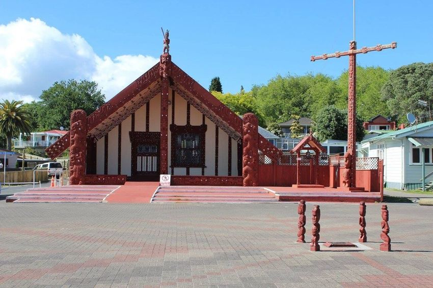 Maori temple in Rotorua, New Zealand. The Maori people are amazing! Maori Rotorua New Zealand Beautiful Peacefulpeople