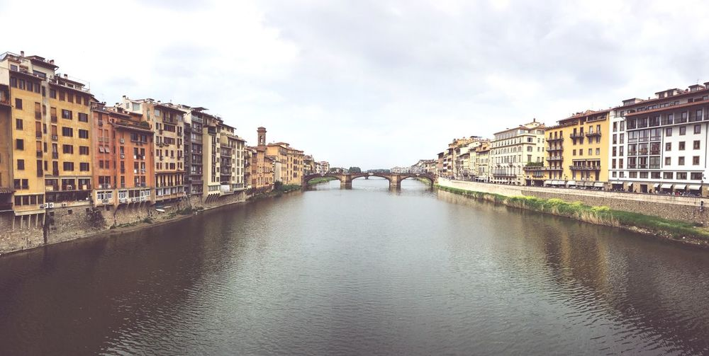 Ponte Vecchio, Arno River EyeEm Gallery EyeEmNewHere Tuscany Panorama vanishing point Architecture Renaissance Medieval EyeEm Selects Built Structure Architecture Building Exterior Sky Water City Cloud - Sky Building Bridge Diminishing Perspective Bridge - Man Made Structure Outdoors