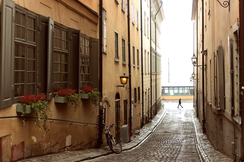 Alley Architecture Building Exterior Built Structure City Corridor Day No People Outdoors