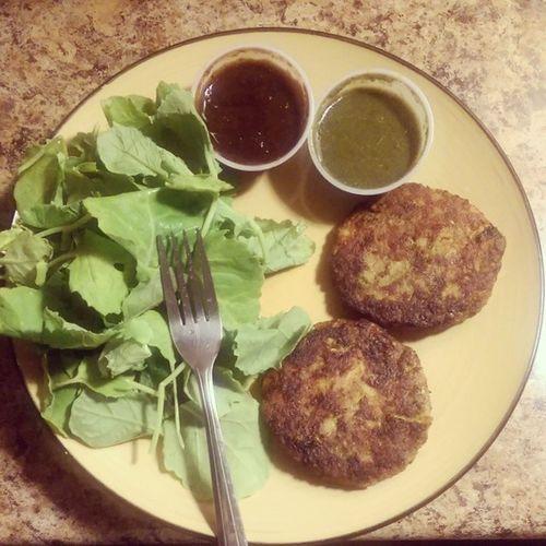 Babykale Vegetablebhajias Tamarindchutney Mintchutney dinner vegan
