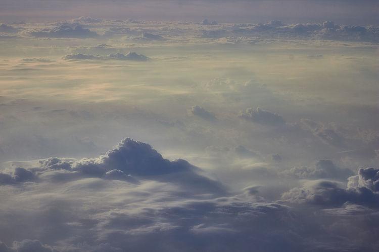 Montañas desoladas Beauty In Nature Cloud - Sky Scenics - Nature Sky Tranquil Scene Tranquility Nature Cloudscape Majestic Softness Environment