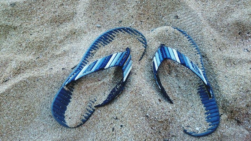 Happy feet, sand Beach Slippers At The Beach
