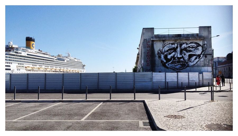 Ship Cruise Ship Graffiti Street Art Streetart/graffiti Peoplephotography People In Niches Urban Landscape Lerone-frames Contrast Wrinkles Of The City